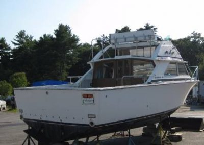 28′ Bertram/Twin 228 Inboard Gas Engines